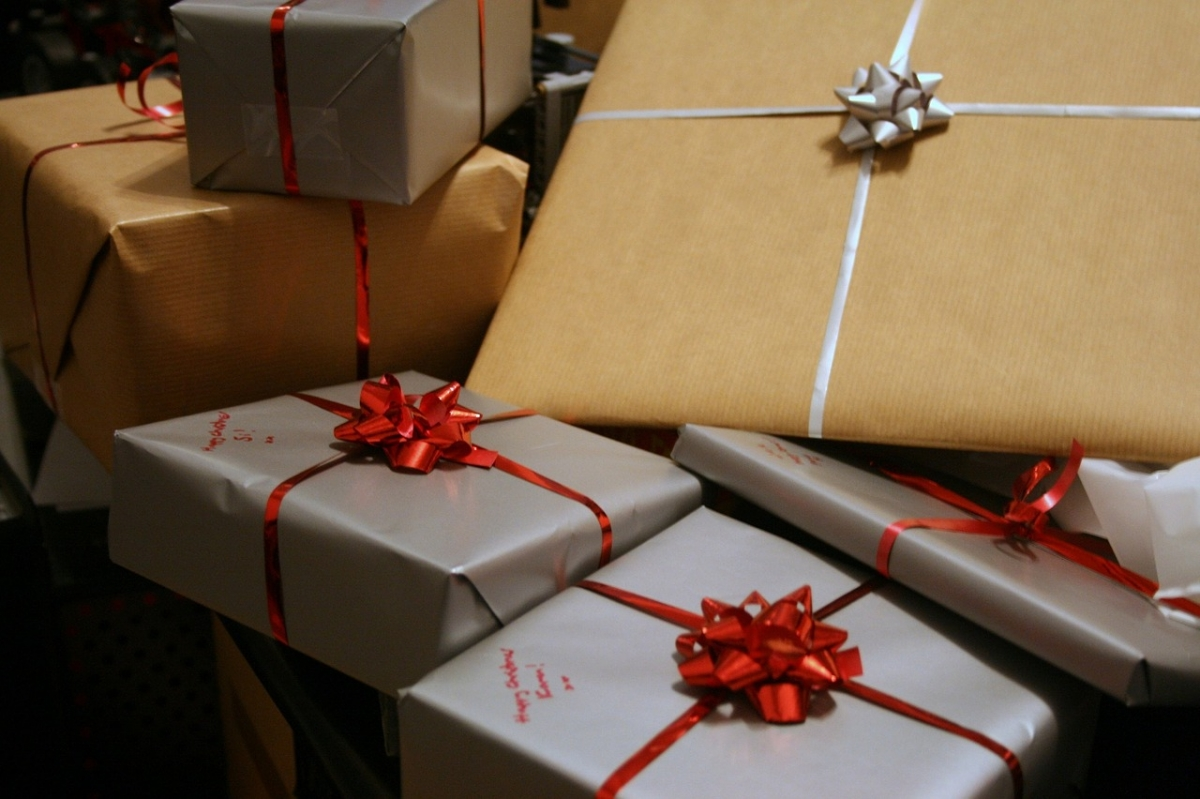 holiday package tracking
